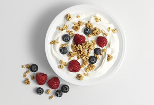 Yoghurt granola berries web article