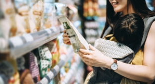 Healthy consumer shopping APAC
